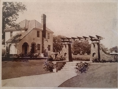 The just completed model home in 1928 in what is now Hollywood Court. Photo courtesy of Briana Vogen